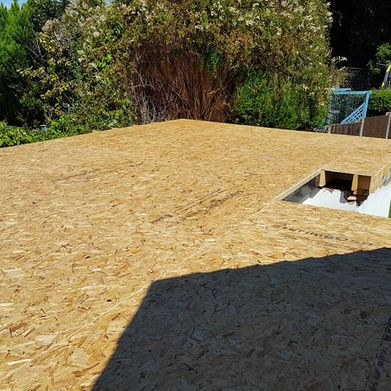 Foundations for flat roofing work